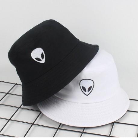 Bob chapeau alien